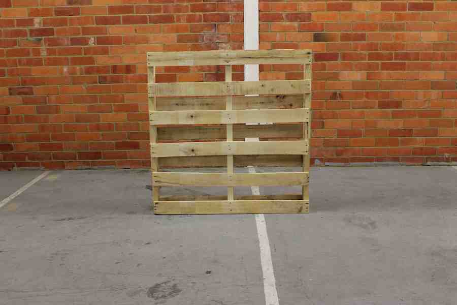 Front of pallet