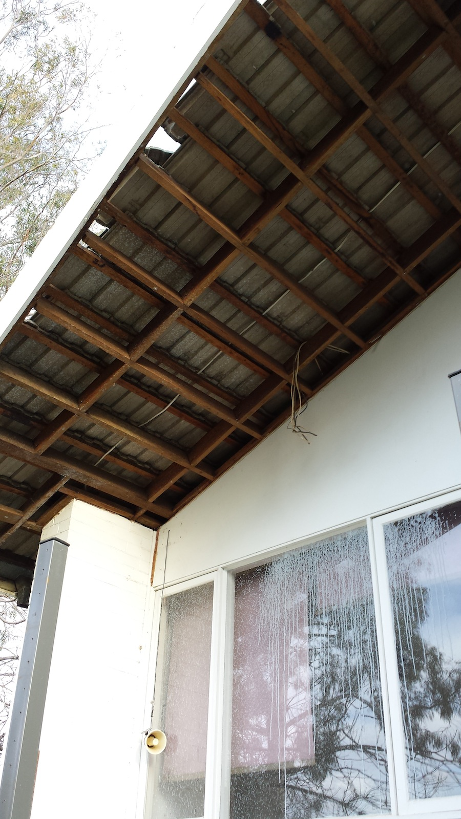 Eaves with asbestos have been removed