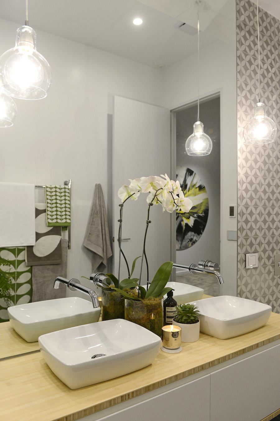 The block glasshouse apartment 6 week 1 - Bathroom lighting ideas for vanity ...