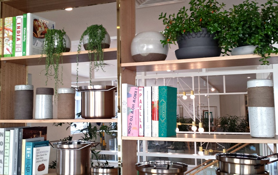 The new Jardan store show how kitchen styling is done