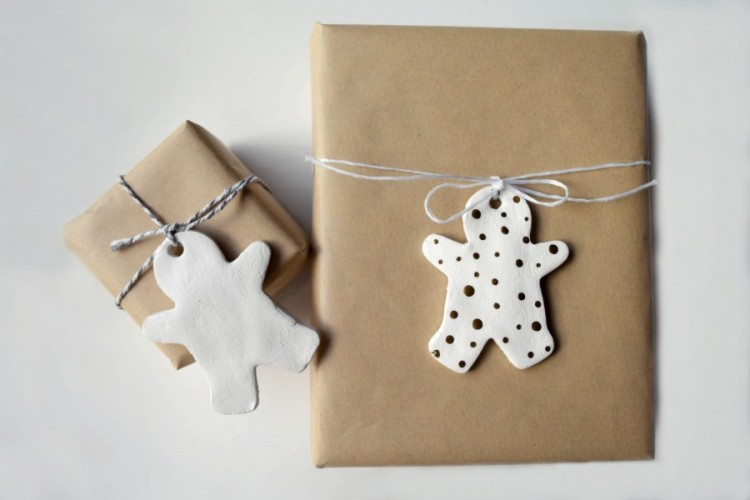 Recycled paper and gingerbread gift tag
