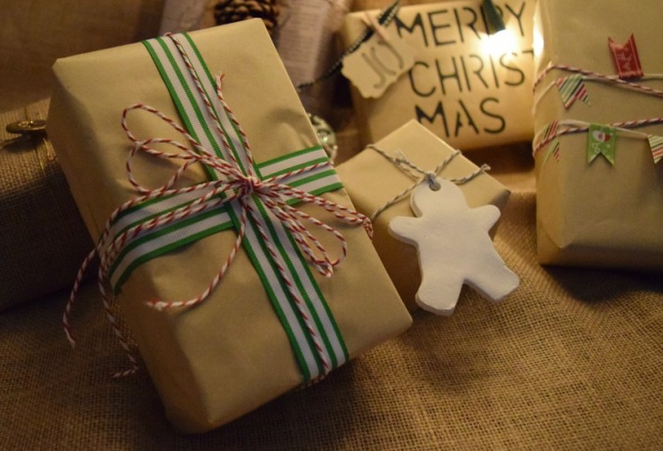 Classic ribbon Christmas gift wrap idea
