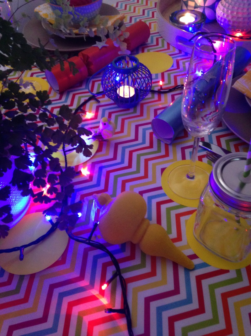 Colourful and tropical Christmas setting