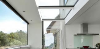 Glass roof in ensuite