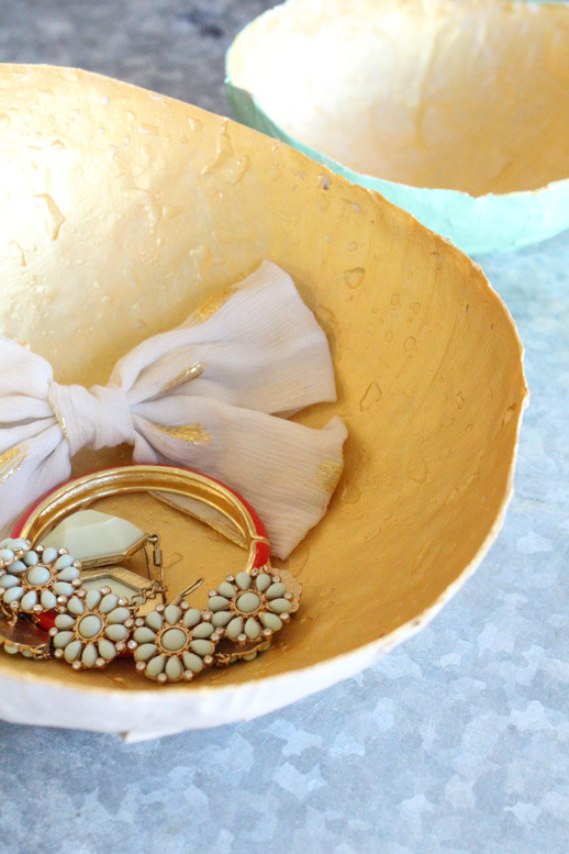 Paper mache jewellery bowl via Sugar & Cloth