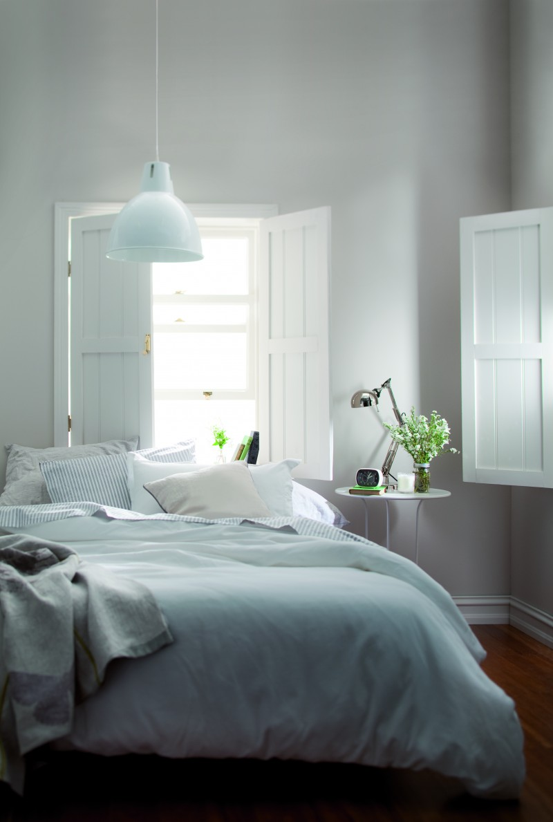 How to select white paint tips on getting the right white paint for What type of paint to use on bedroom walls