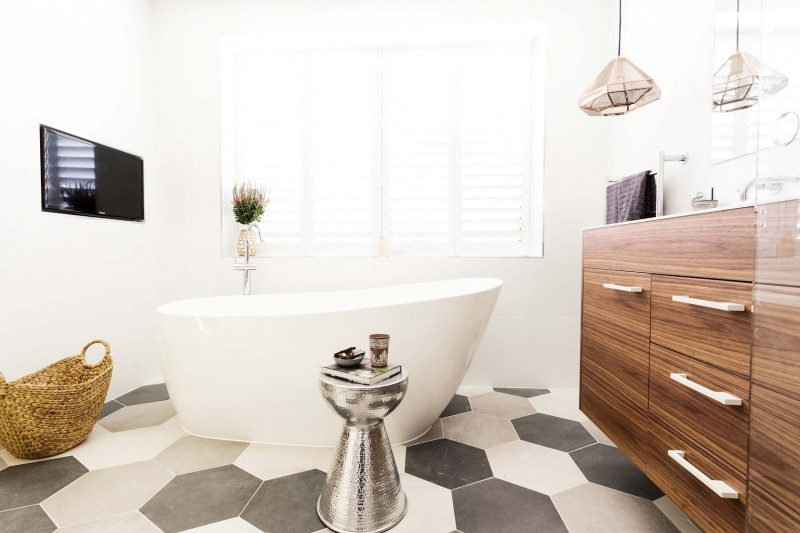 Jess and Ayden ensuite room reveals