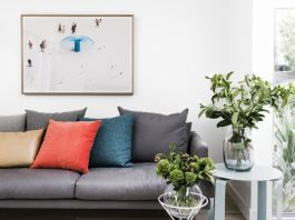 How to style a small room