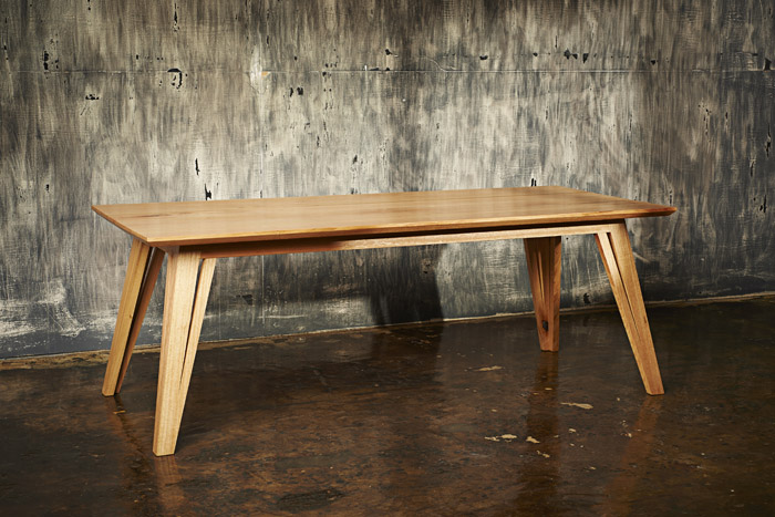 Auld Design dining table