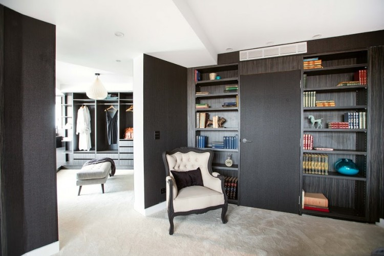 Bedroom to wardrobe