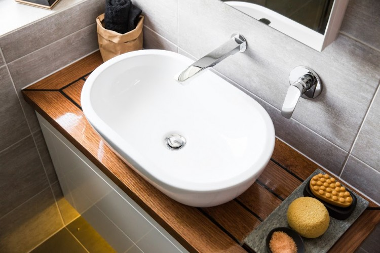 Caro and Kingi ensuite vanity