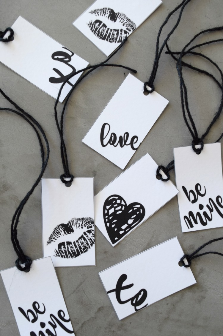 Group of gift tags