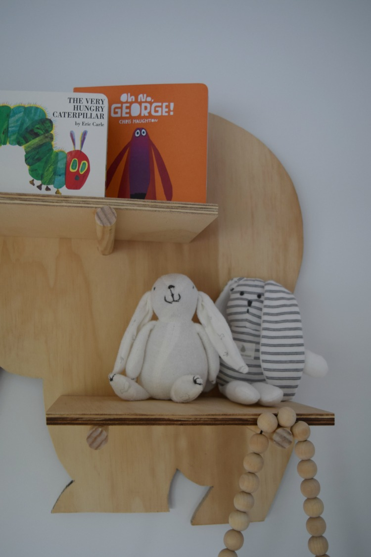 Portrait bear shelf