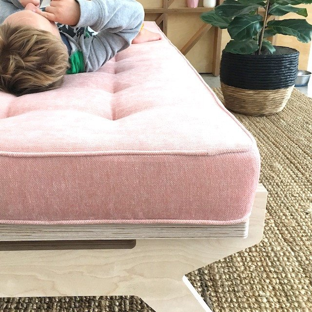 Luum day bed