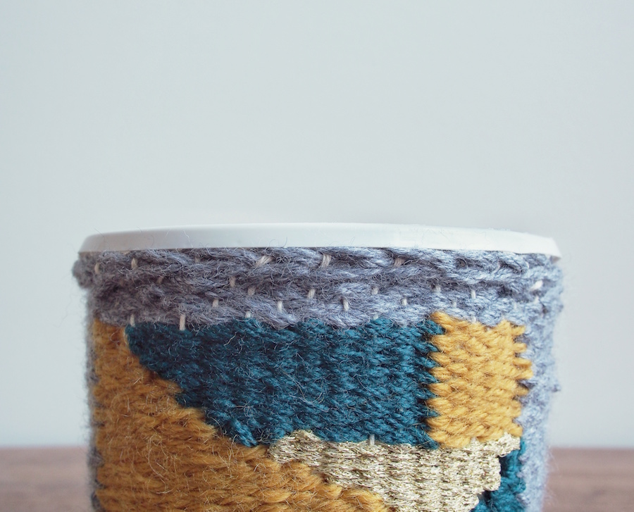 Top of woven planter cosy tutorial