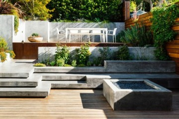 Split level outdoor area