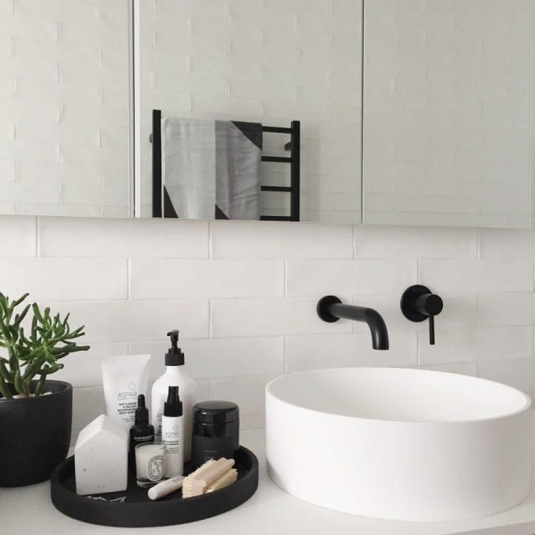 September #stylecuratorchallenge: Style a pocket of your bathroom