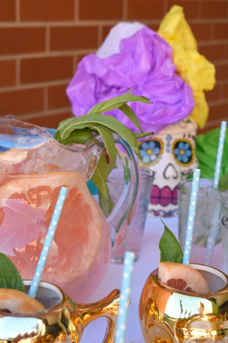 Day of the Dead drink station and decoration ideas