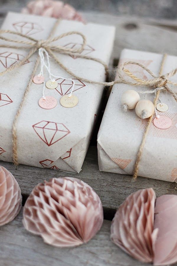 Diamond gift wrap