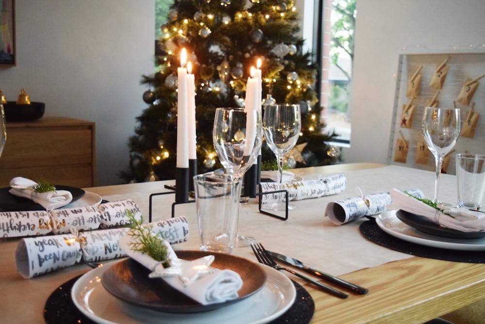 Elegant Christmas bon bons
