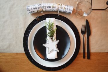 Stylish Christmas place setting