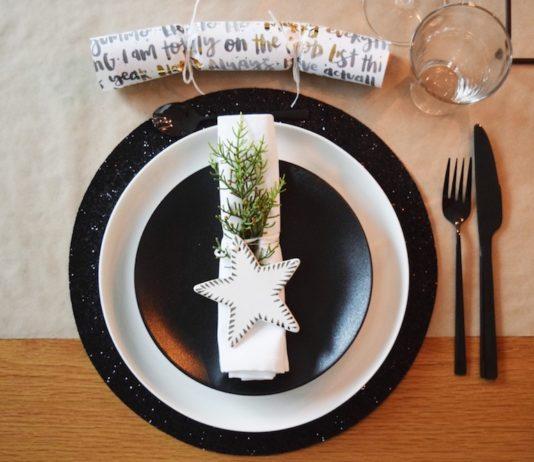 Stylish Christmas place setting