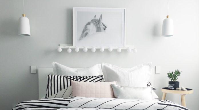 Grey throw rug