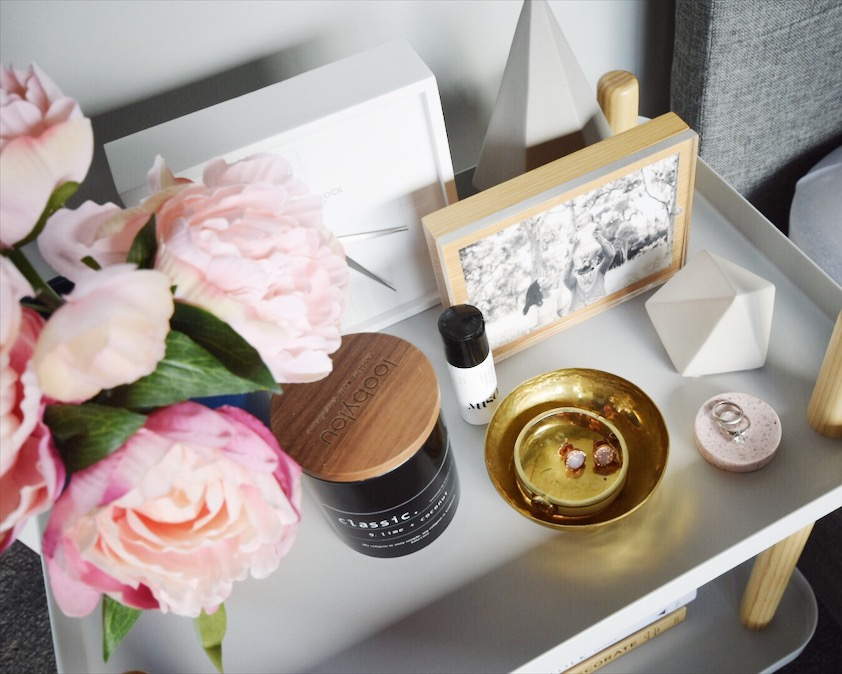 How to style your bedside table