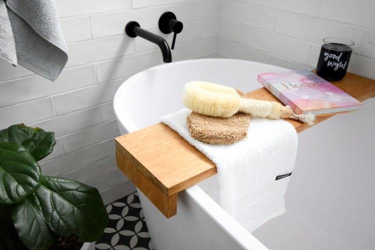 How to style towels: Best ideas to hang and display towels in your home