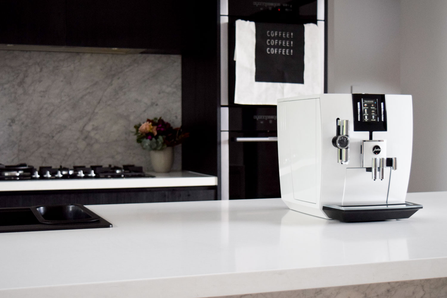 product review jura j6 automatic coffee machine style. Black Bedroom Furniture Sets. Home Design Ideas
