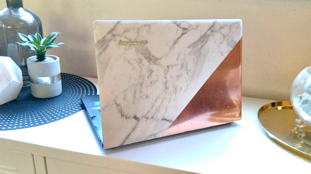 Marble Laptop Style Curator
