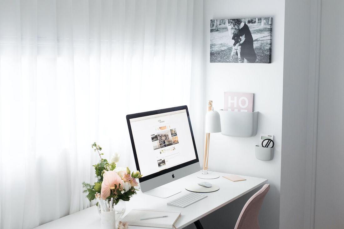 Decluttered workspace is the perfect home office