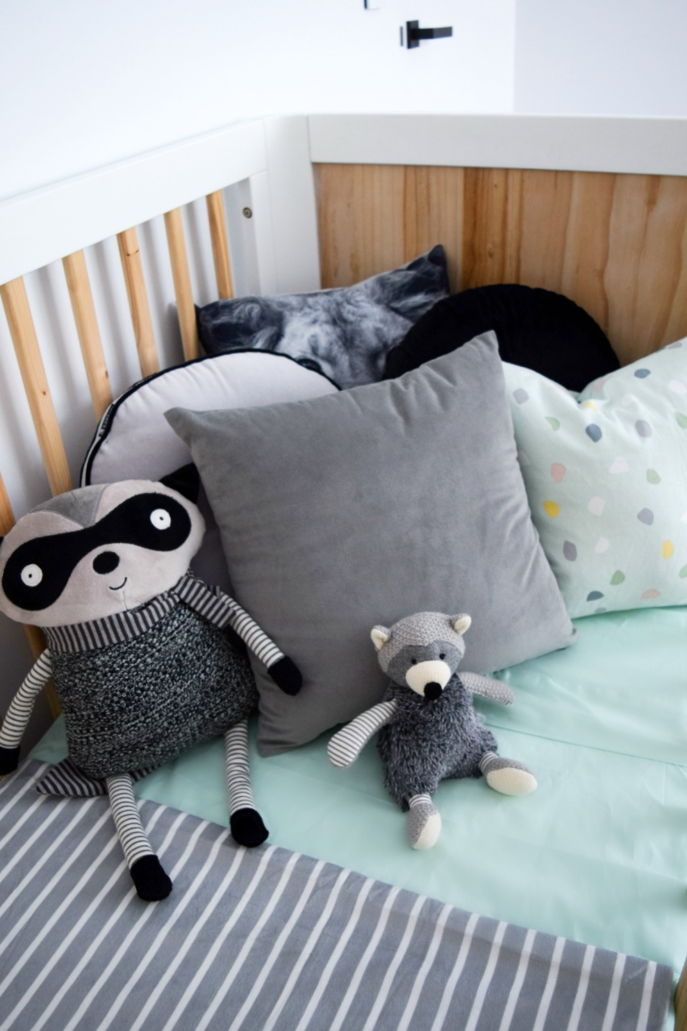 How to style your baby's cot