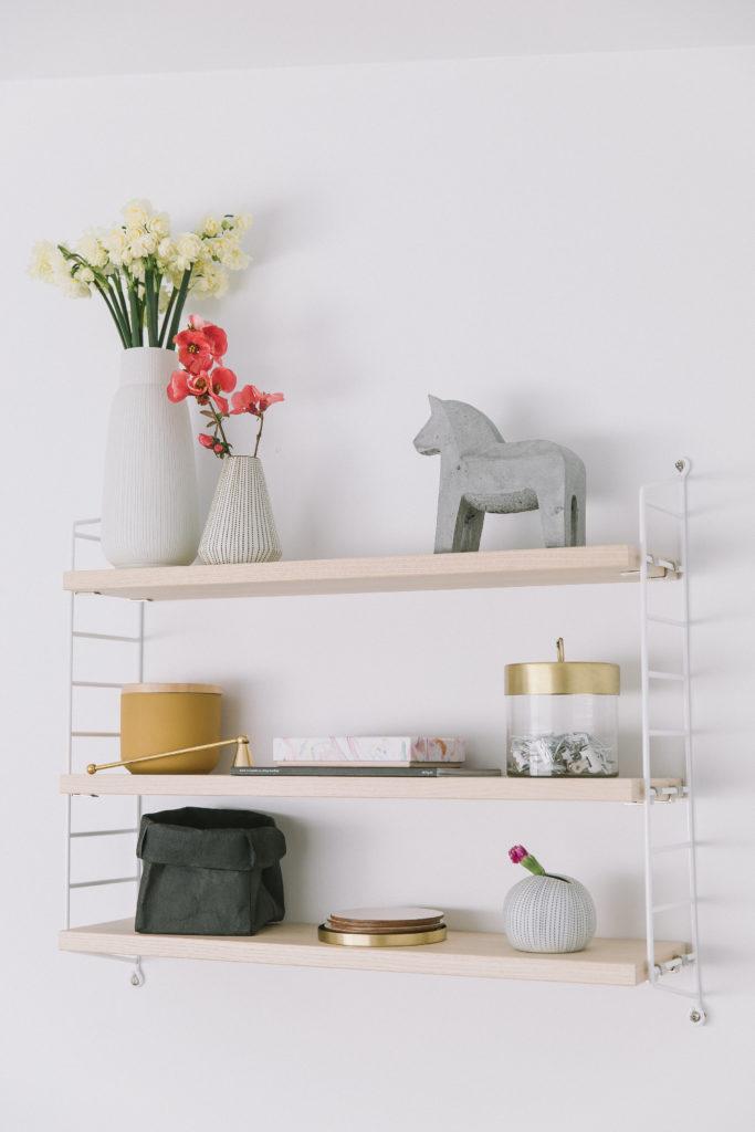 String shelf Spring styling