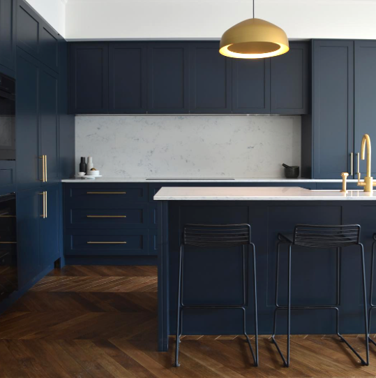 Made measure navy kitchen with brass handles