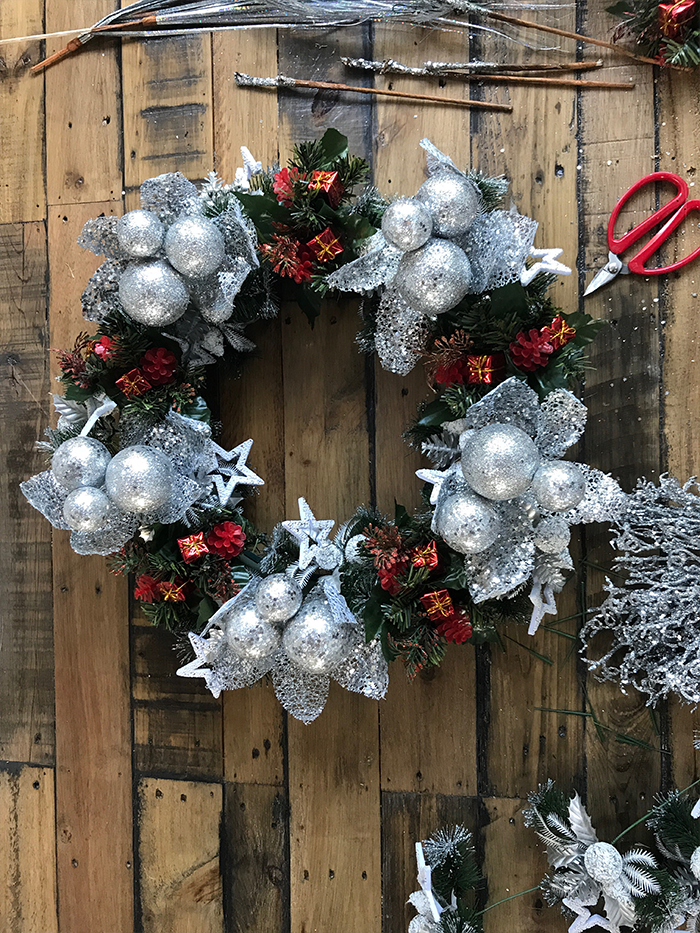 Tips to creating a Christmas wreath