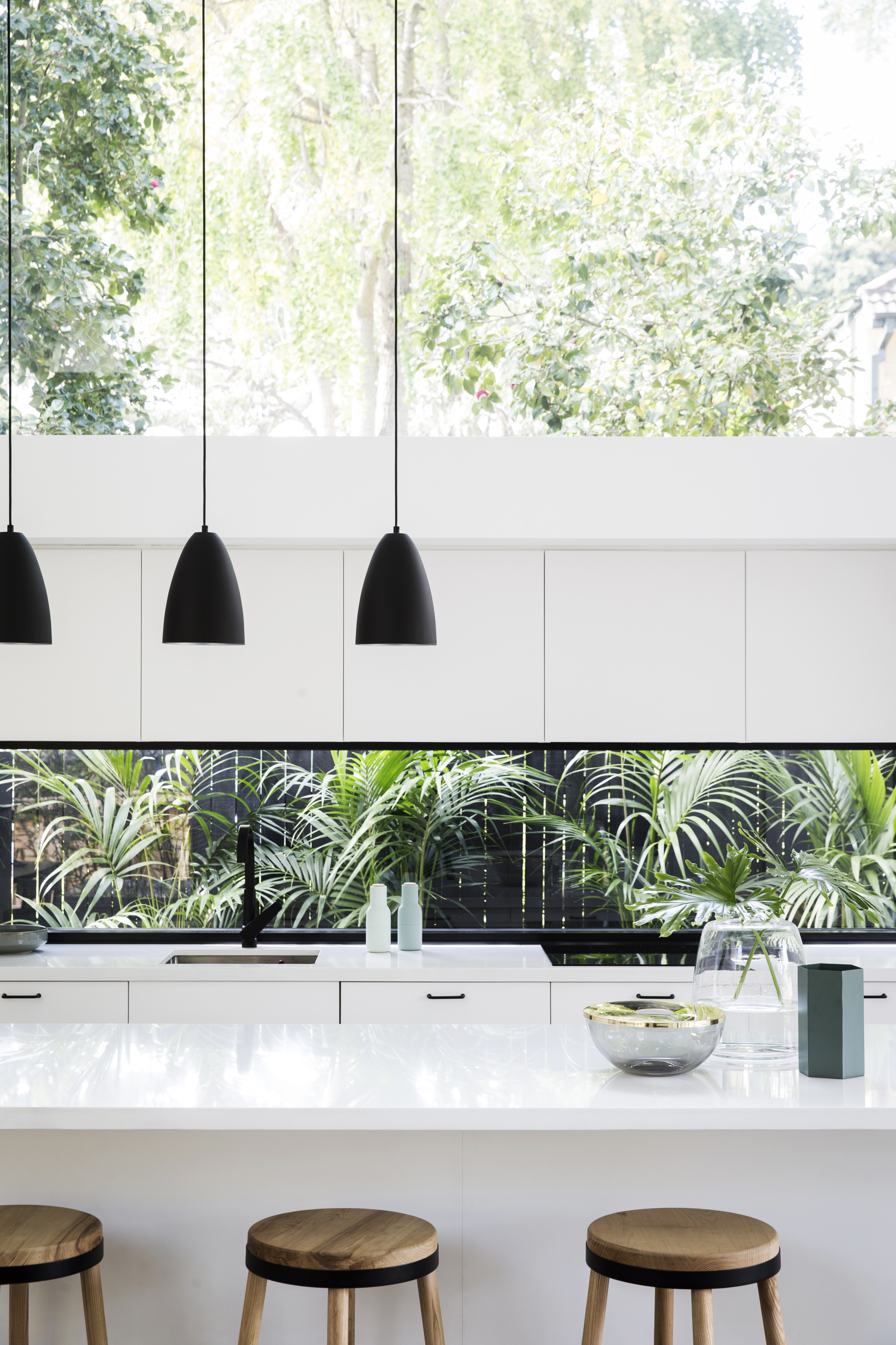 Kitchen window as splashback