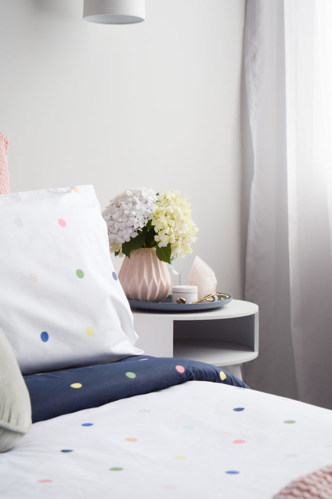Bedside arrangement