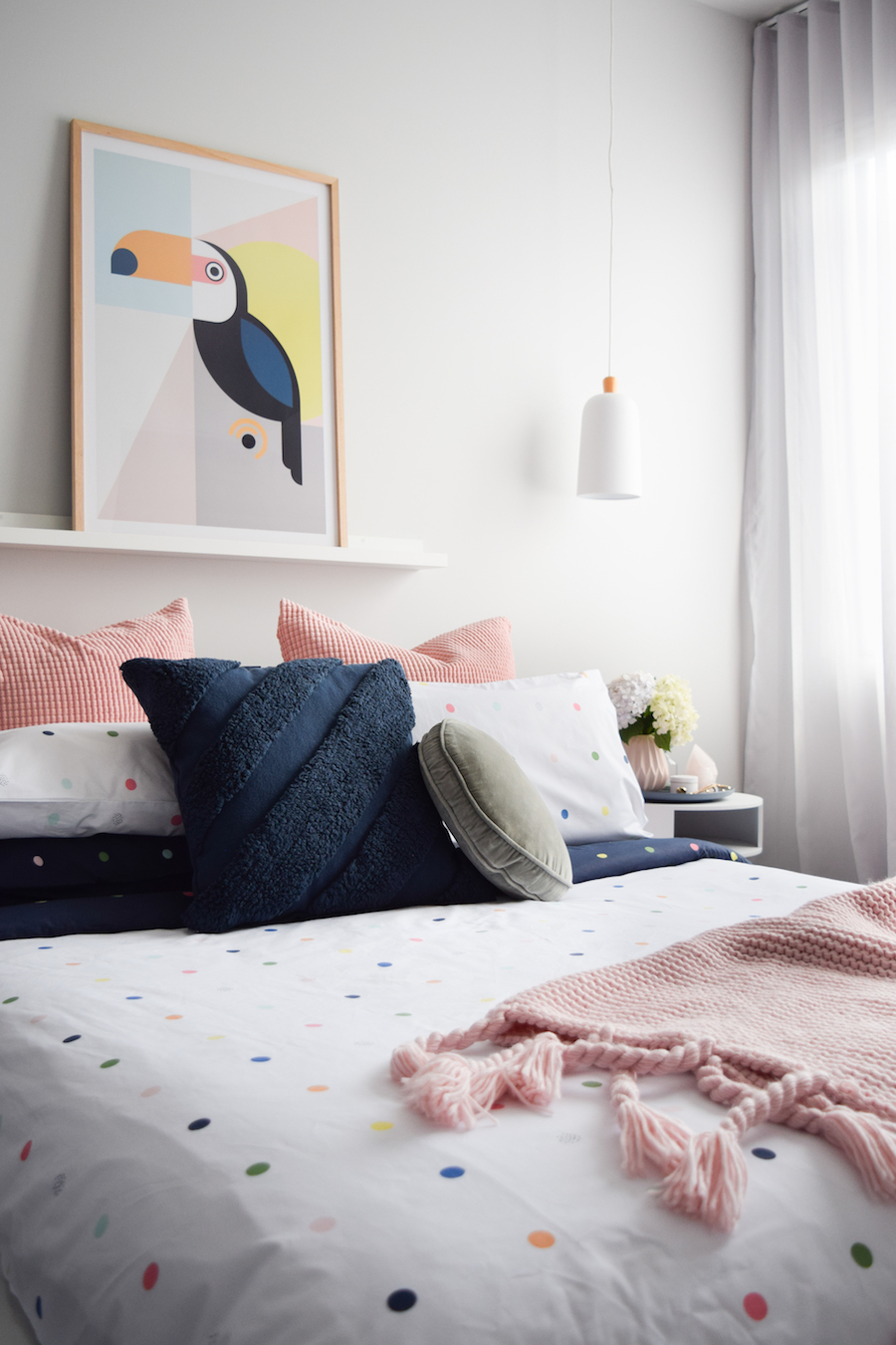 Navy Cushion Style Curator