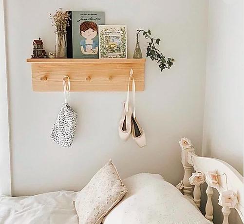 Little Pine peg shelf