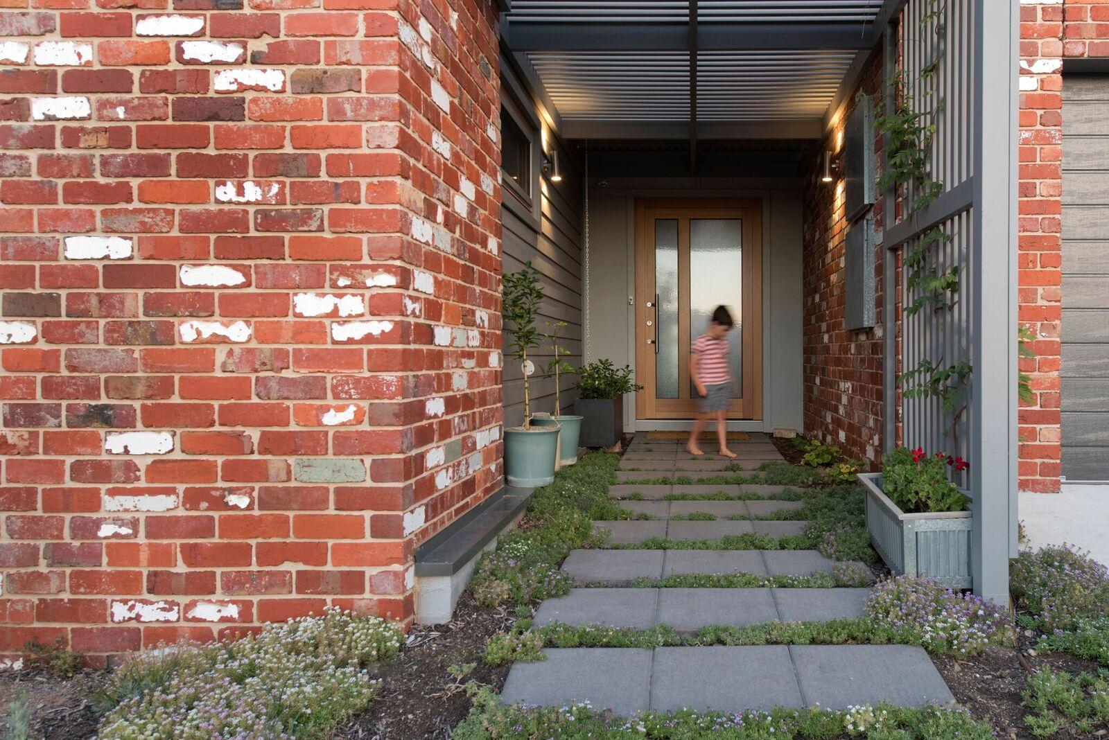 external solar passive home