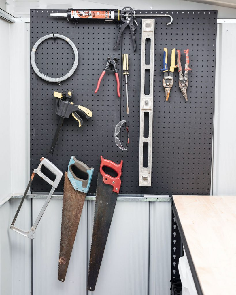 Pegboard ways to organise your garden shed