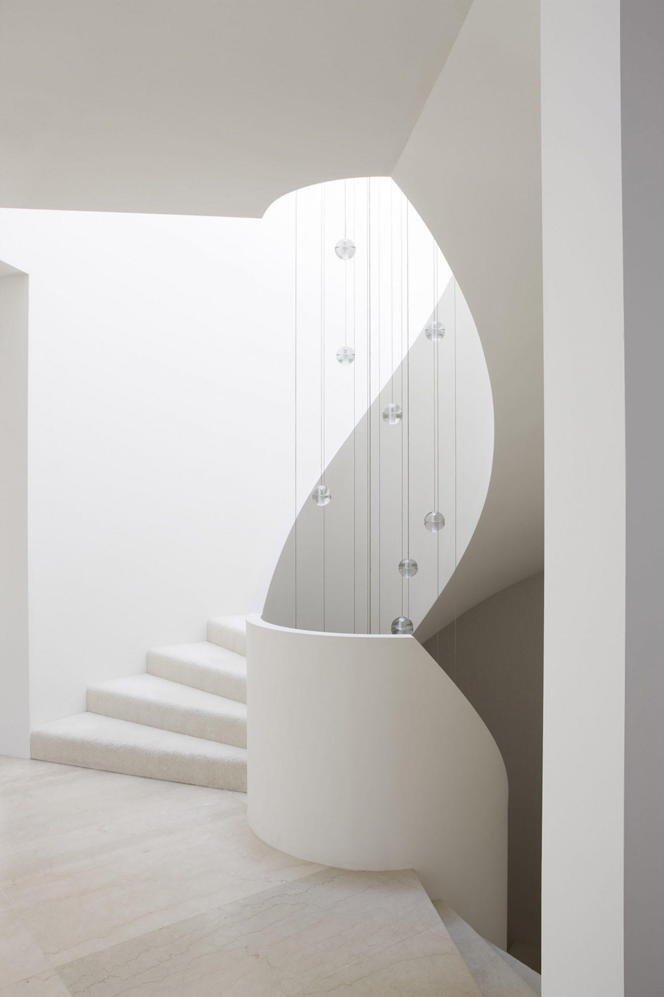 Compact white ribbon staircase