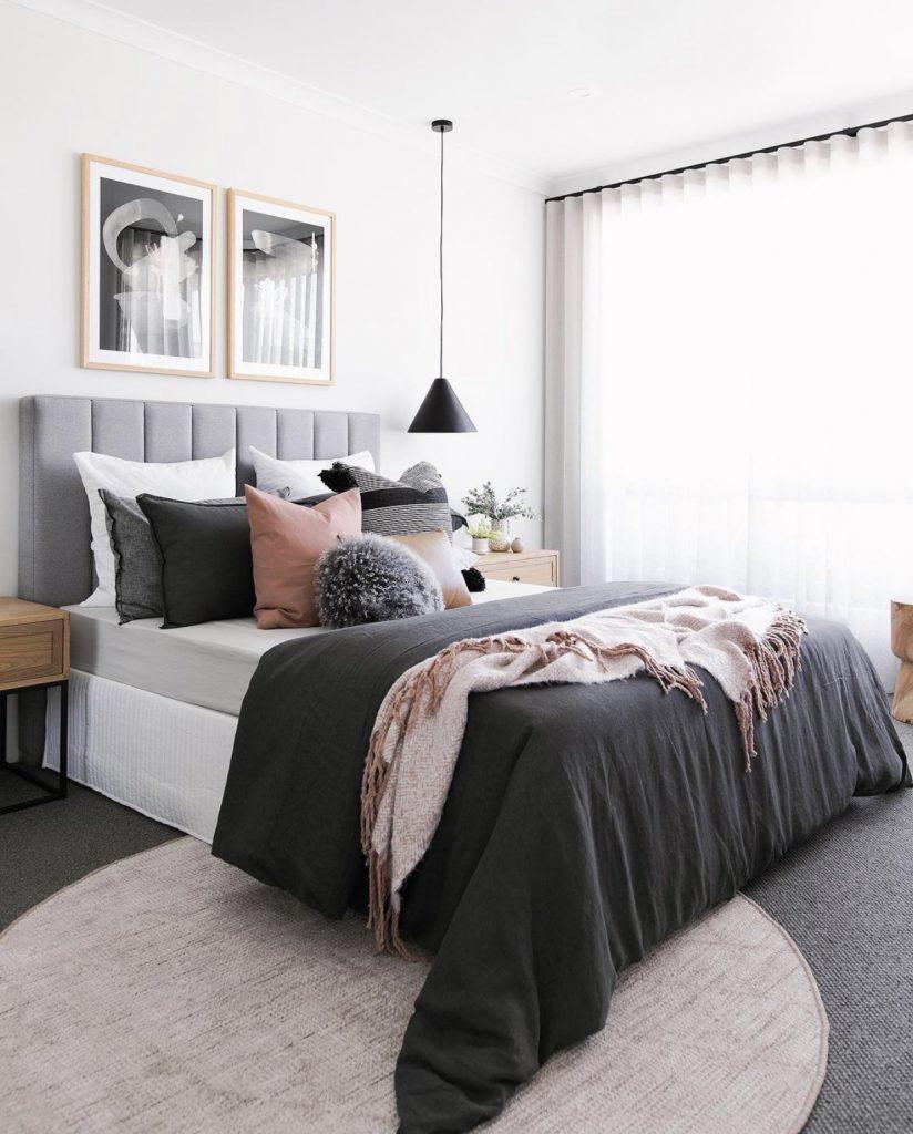 Tarina bedroom scene