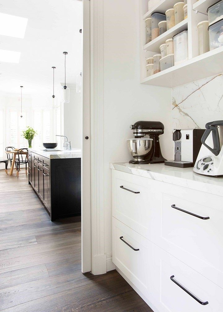 White butler's pantry design the perfect walk-in pantry