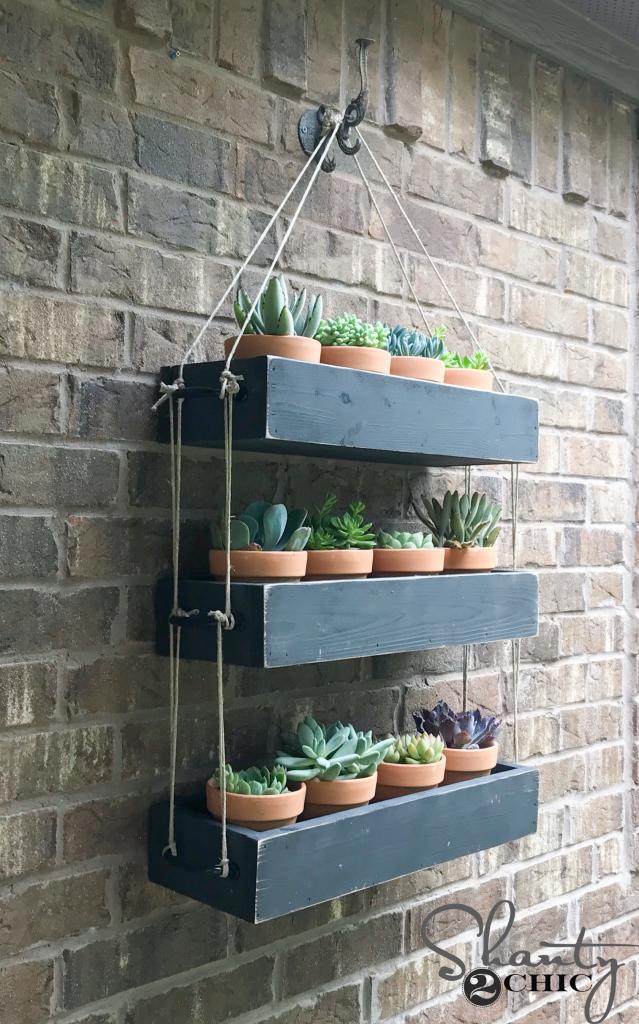 Outdoor hanging planter