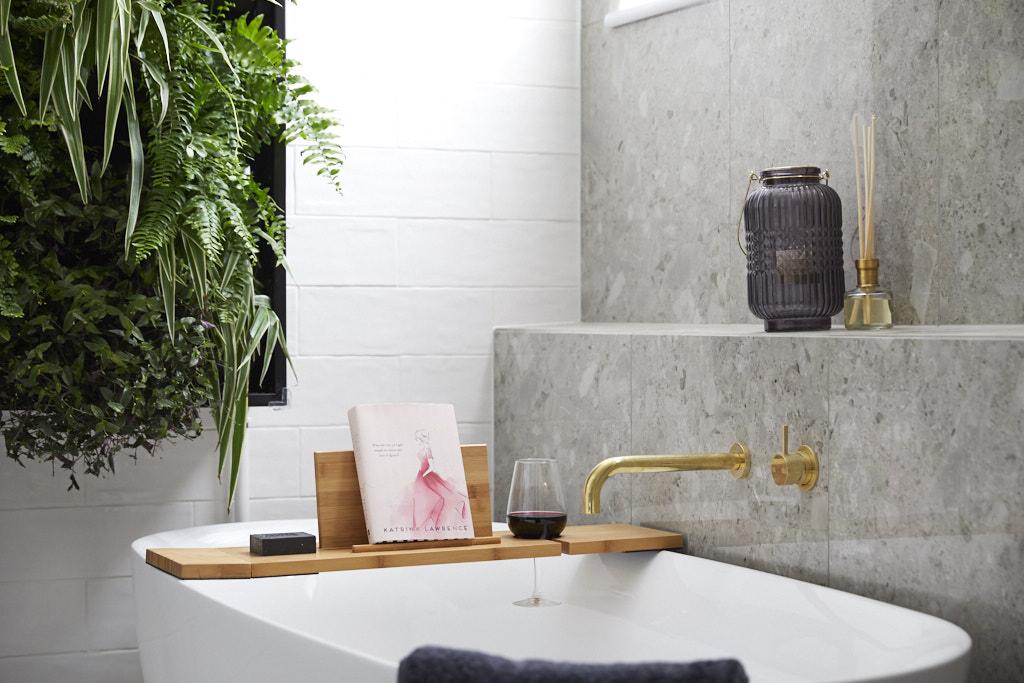 Bath shelf
