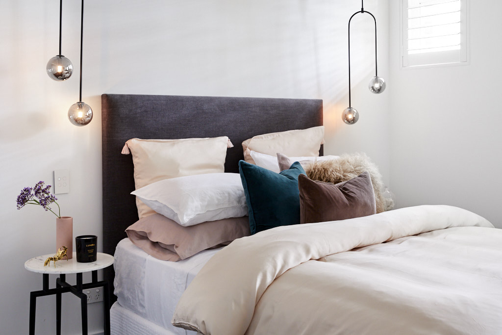 Bedside pendant lights