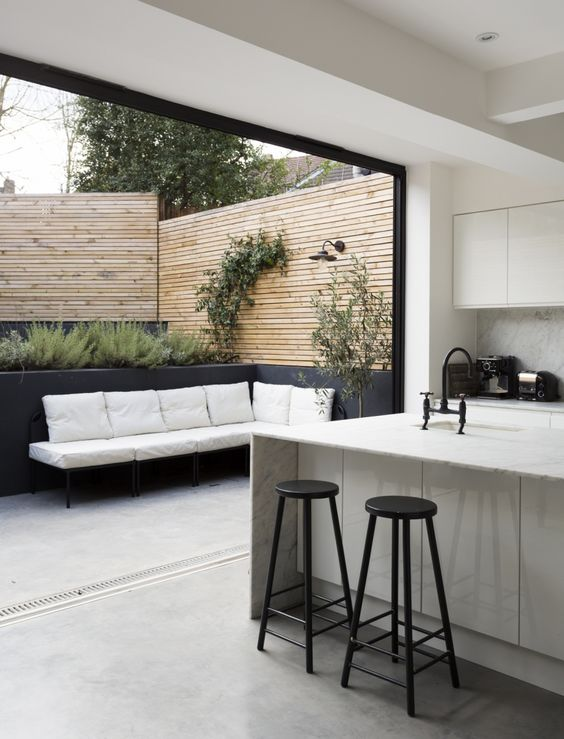 Open plan kitchen to outdoor