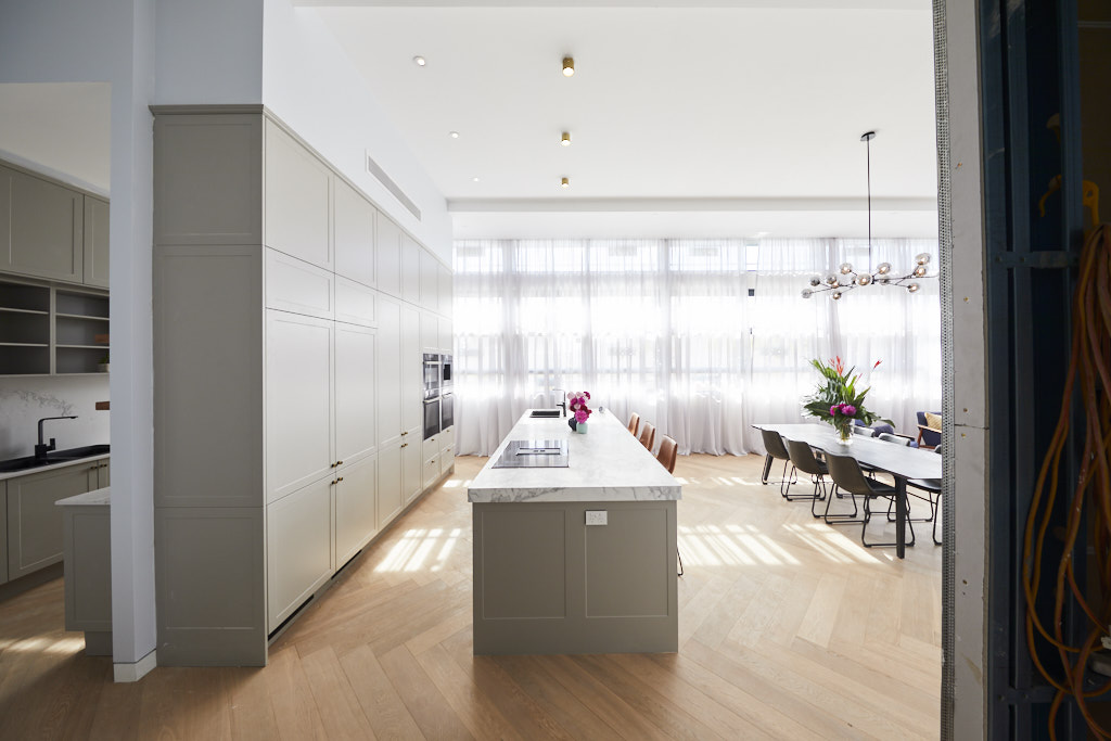 Large kitchen dining